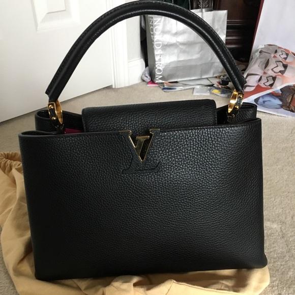 Louis Vuitton Capucines MM Black bag fe0988bfc319e